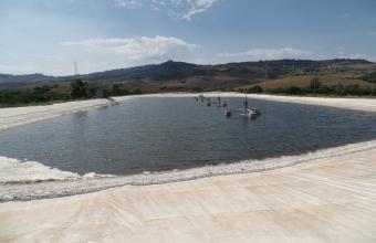 technologie pro aplikaci produktu na hladinu odpadní laguny