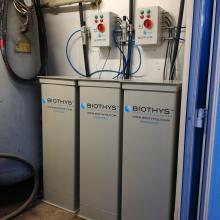 3 ze 4 jednotek Microtec v technické místnosti